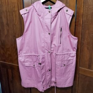 Zenana Outfitters pink hiking vest w hood zip snap